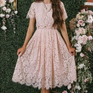 Morning Lavender Midi Lace Dress